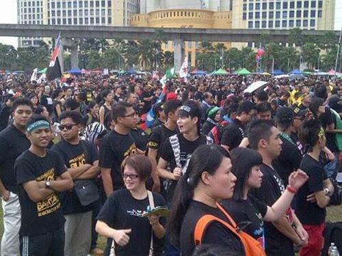 8835122043 0dbf71f613 o Gambar dan Video Perhimpunan Blackout 505 di Petaling Jaya 25 Mei 2013