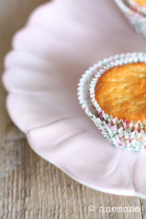 Muffins al rabarbaro e cioccolato bianco