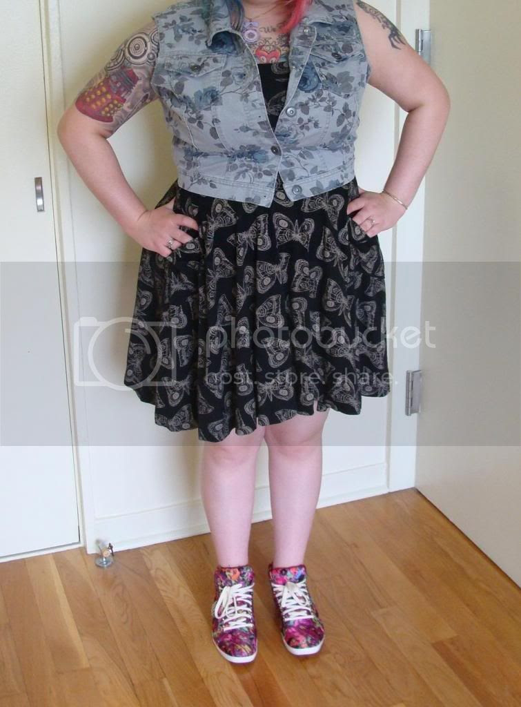 ootd, outfit of the day, modcloth, target, denim vest, dress, circle skirt, modcloth dress