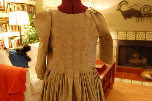 Making a robe a l'anglaise 32