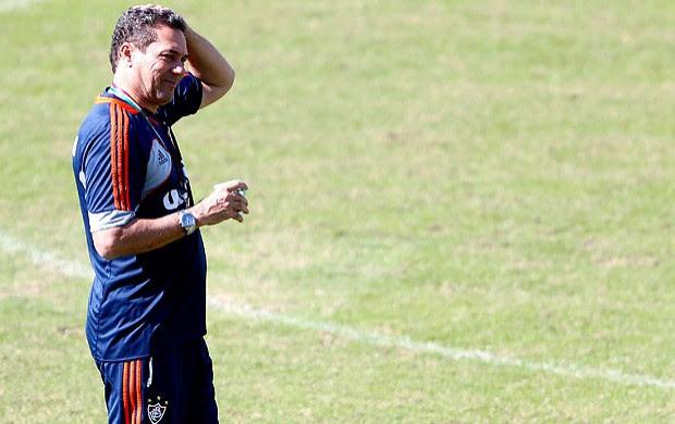 com o fla na cabeça (Ivo Gonzalez / Agencia O Globo)