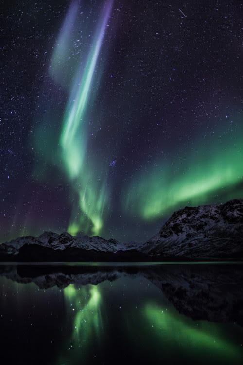 vurtual:  October auroras in Greenland (by Northbound)