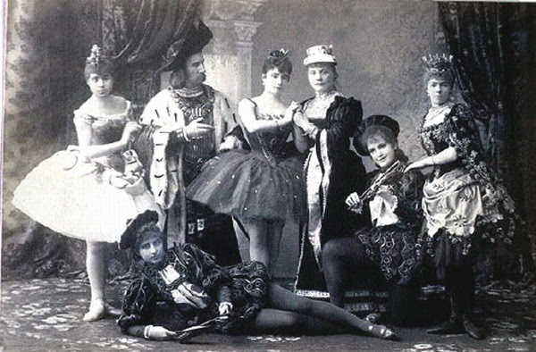 File:Sleeping beauty cast.jpg
