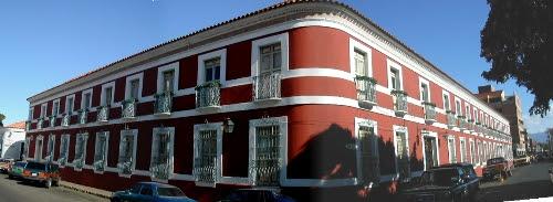 Casa de las 100 ventanas