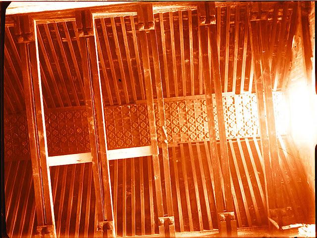Artesonado de Santiago del Arrabal.   Fotografía de Pedro Román © Fondo Rodríguez. Archivo Histórico Provincial. JCCM. Signatura R-131-1-06