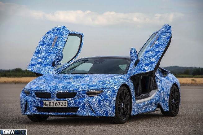 Video Review: BMW i8
