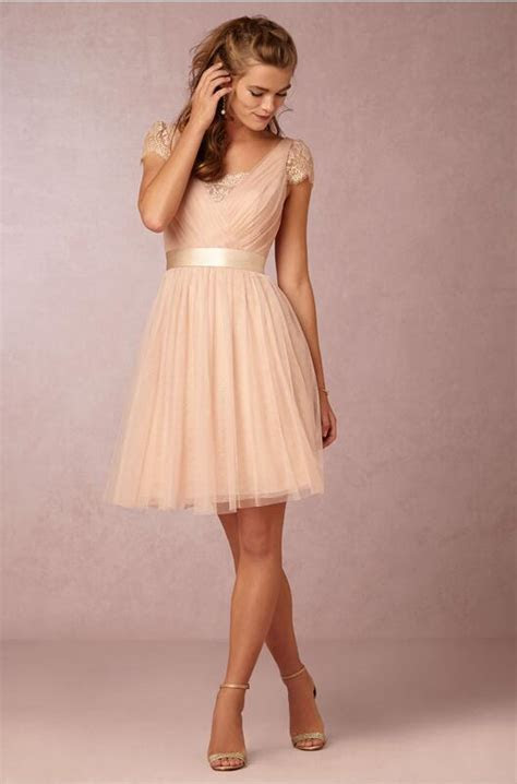Best Selling A Line V Neck Knee Length Tulle Champagne