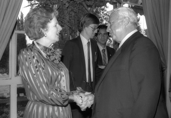 British Prime Minister Margaret Thatcher (L) greets Israeli Minister of Industry and Trade Ariel Sharon during a reception in honour of Israeli Prime Minister Shimon Peres in Jerusalem May 26, 1986 in this handout photo released by the Government Press Office. Surgeons battled to keep Sharon alive on January 5, 2006 after a massive brain haemorrhage felled the Israeli prime minister in the midst of his fight for re-election on a promise to end conflict with the Palestinians. Reuters