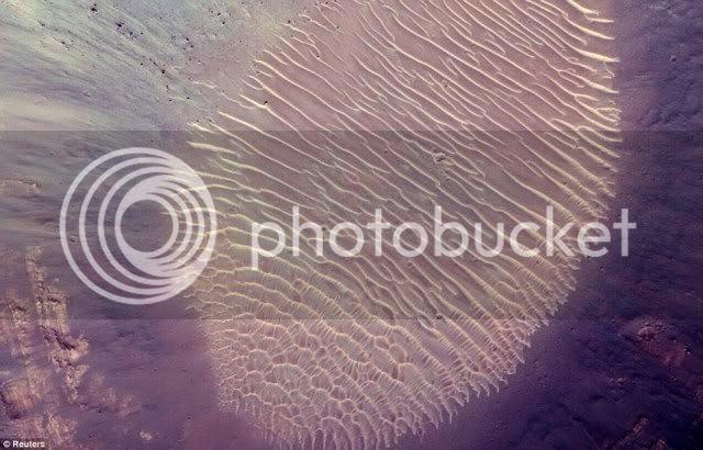 Pernah Ditemukan Cap Jempol Raksasa di Planet Mars