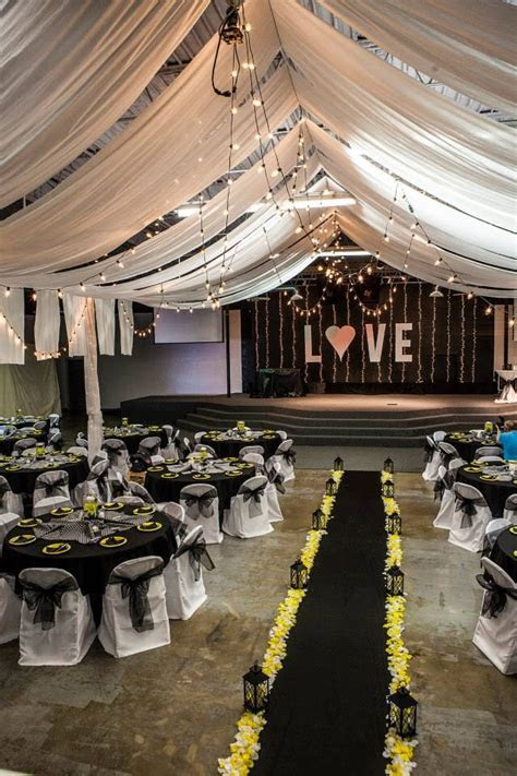 Black, white, & yellow wedding decor   Gorgeous Galvan