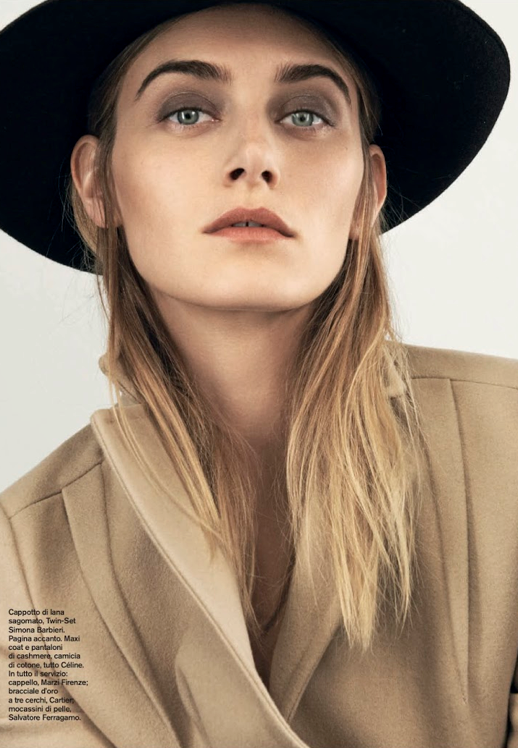 LE FASHION BLOG EDITORIAL D LA REPUBBLICA BLACK HAT CAMEL COAT BOLD EYEBROWS THICK BROWS FALL BEAUTY BLOND HAIR 4 Photographer: Johan Sandberg Stylist: Roberta Rusconi Hair: Joseph Pujalte Make-up: Tanja Friscic  Model: Kori Richardson photo LEFASHIONBLOGEDITORIALDLAREPUBBLICAHATCAMELCOAT4.png