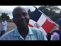 Mayor policía,me agrede por yo hablarle de Historia Dominicana a Dominic...