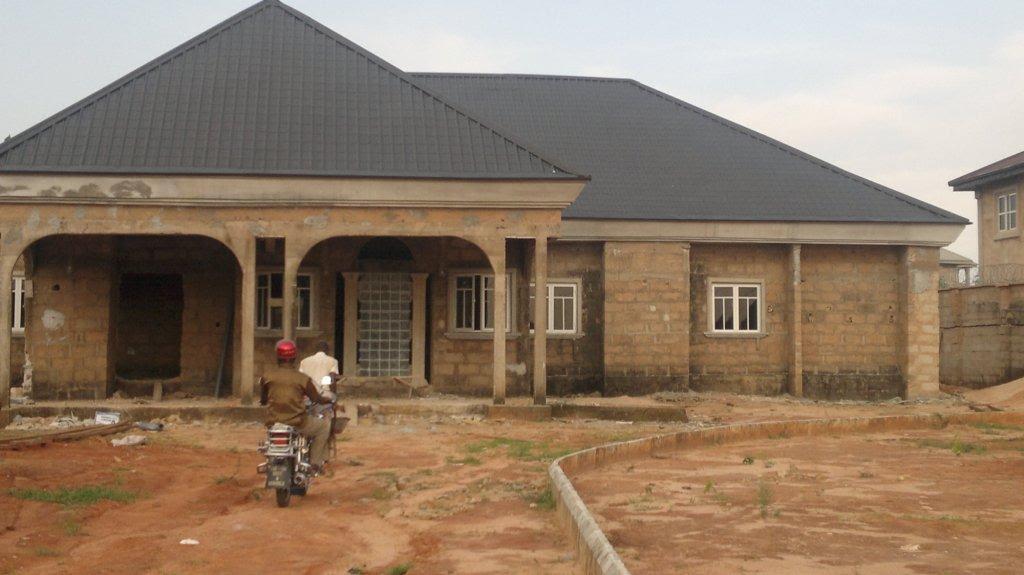21 COST OF ROOFING 4 BEDROOM BUNGALOW IN NIGERIA - * Bedroom