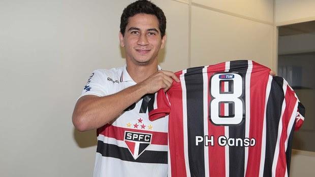 Ganso com a camisa do São Paulo (Foto: Rubens Chiri / saopaulofc.net)