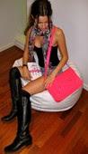 Malena Costa Escote Shorts Con Botas