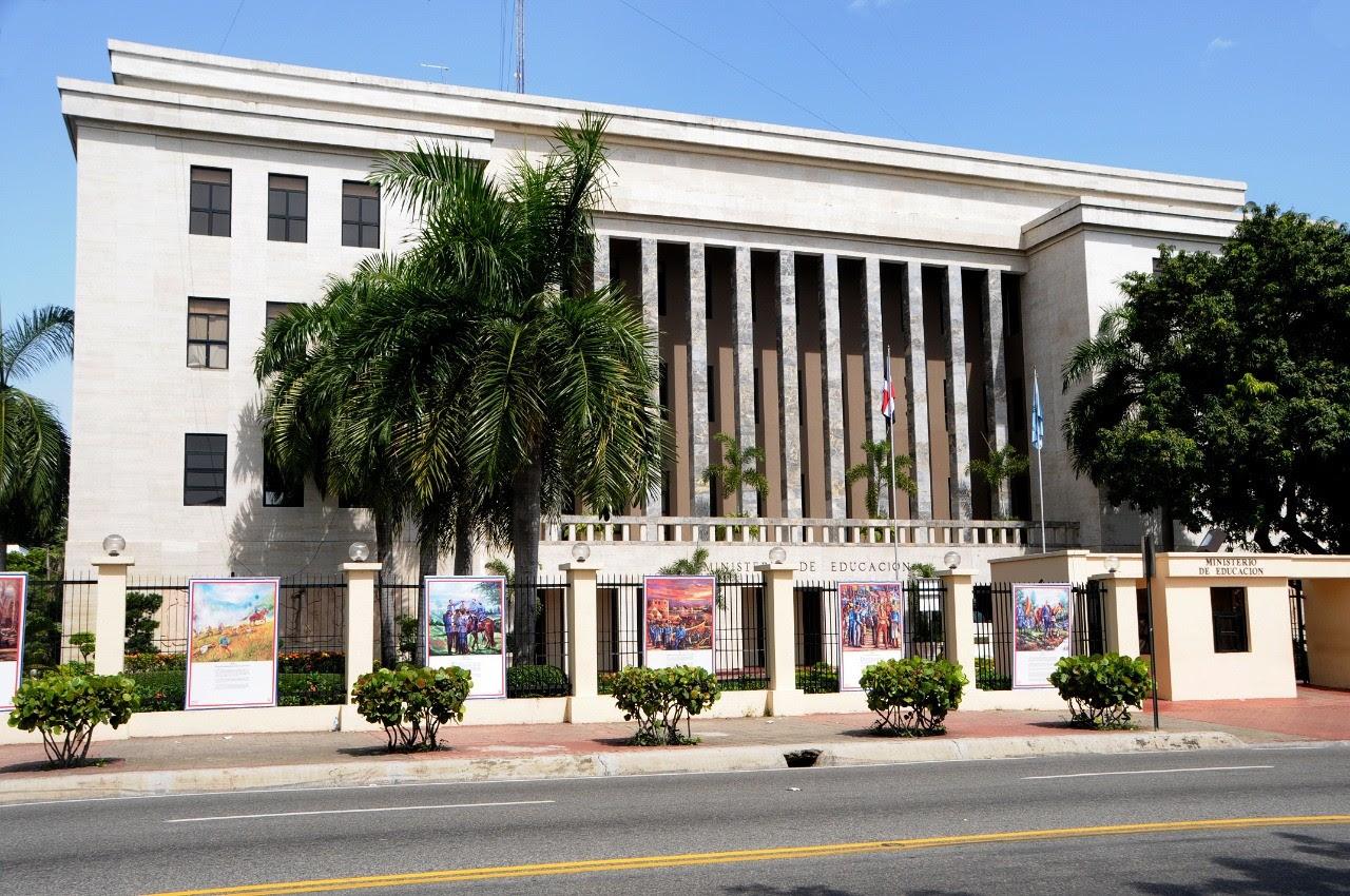 imagen fachada frontal de la sede central del Ministerio de Educacion