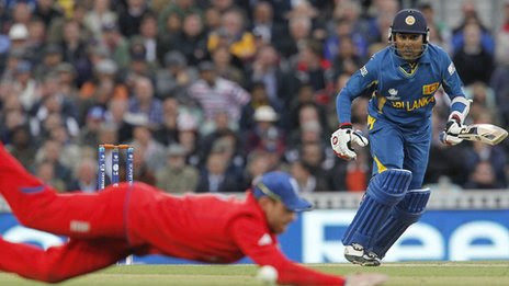 http://news.bbcimg.co.uk/media/images/68163000/jpg/_68163274_mahela_jayawardene_getty.jpg