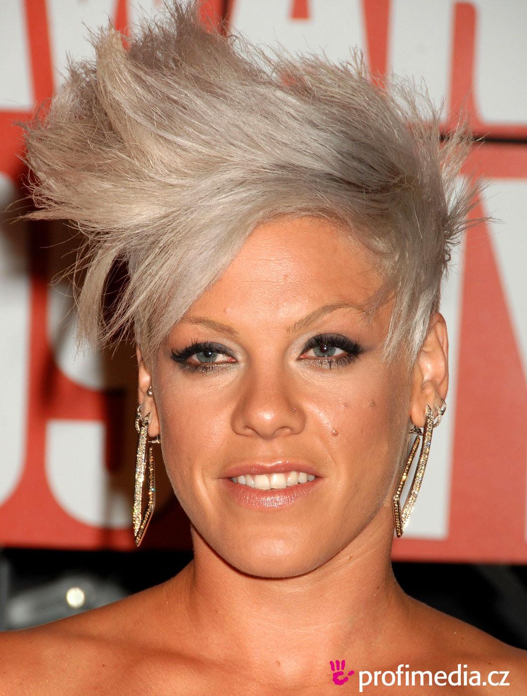 Bilder Frisur Pink Schnell Lange Haare
