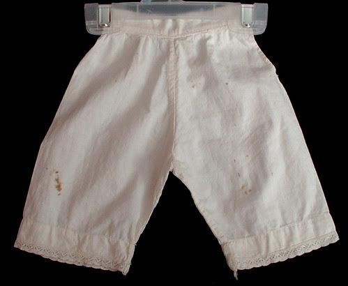 nickers ( pantaloons)