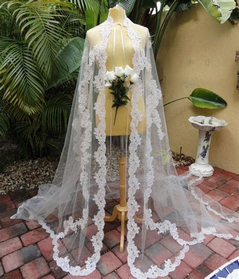 Best 25  Wedding dress cape ideas on Pinterest   Vania