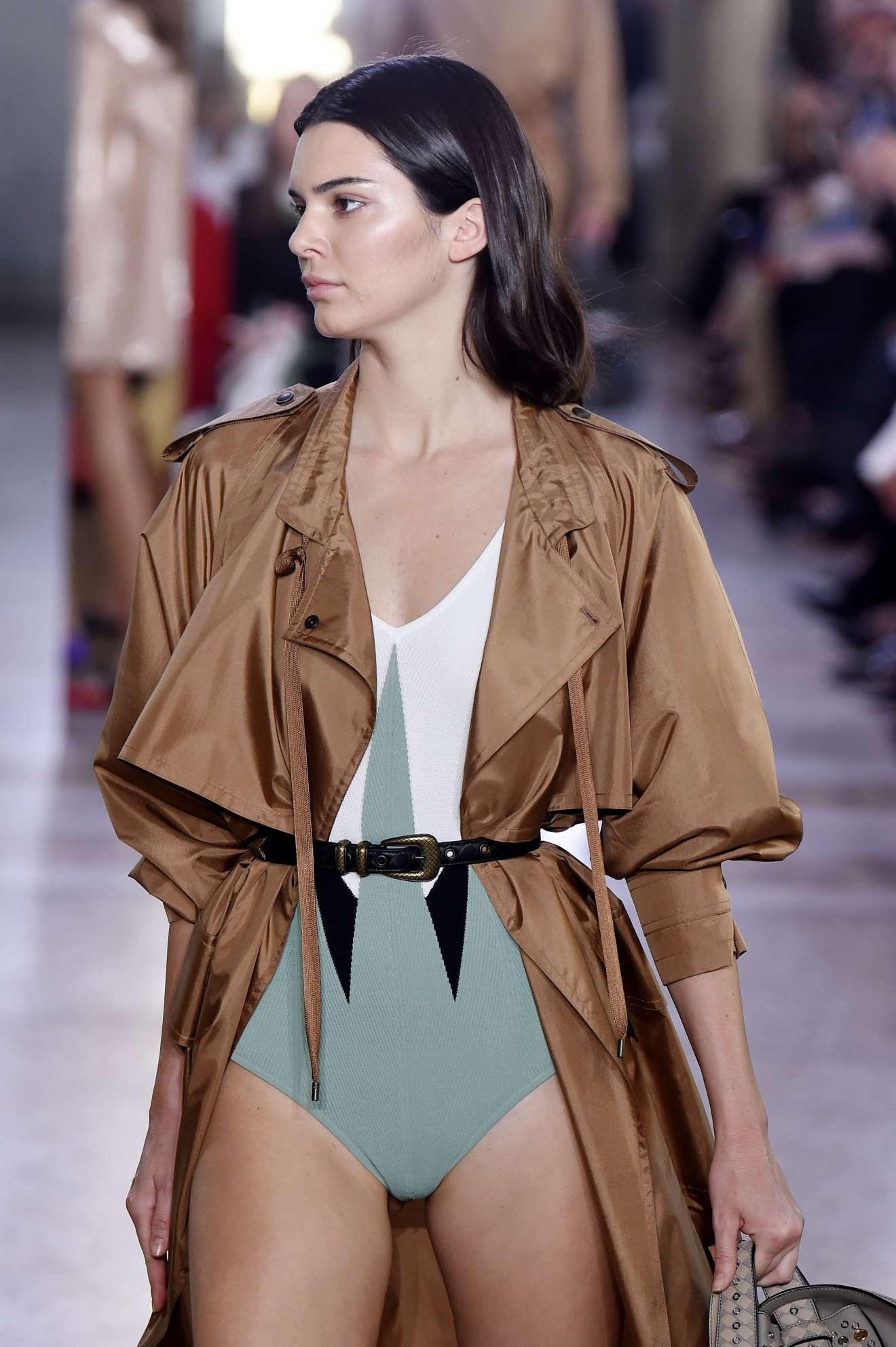 Kendall Jenner – Bottega Veneta show at 2017 Milan Fashion Week