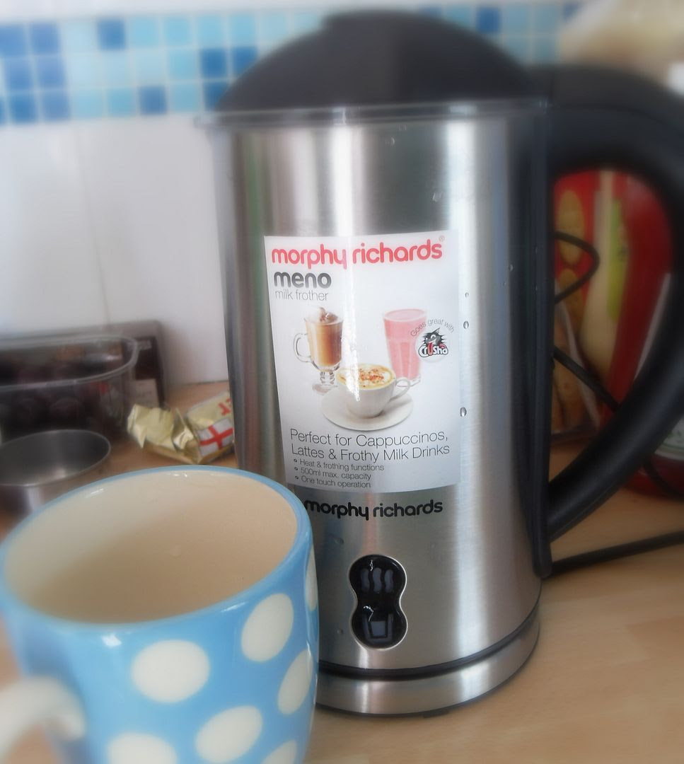 The English Kitchen: Morphy Richards Meno Milk Frother