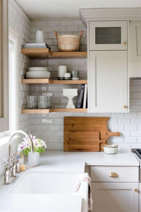 lovely kitchens  open shelving