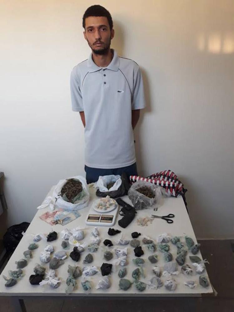 Elisson da Silva Saturnino foi autuado por tráfico - Foto: Divulgação l Polícia Civil