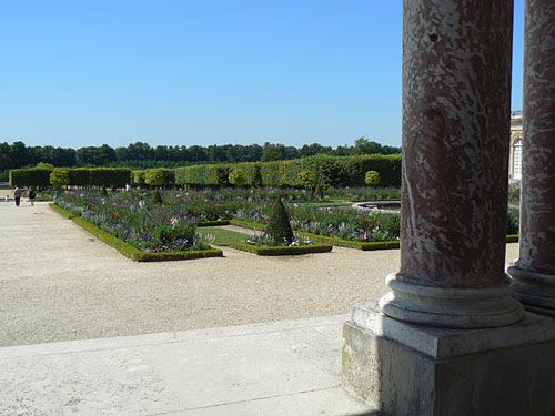 grand trianon jardins 2.jpg
