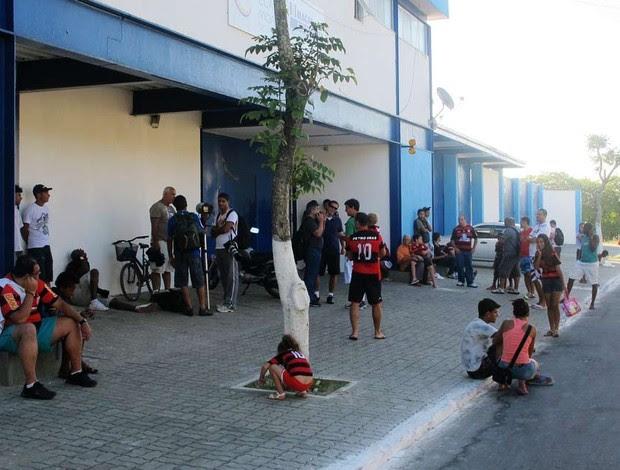 flamengo treino macaé Torcedores e jornalistas  (Foto: Richard Souza/Globoesporte.com)