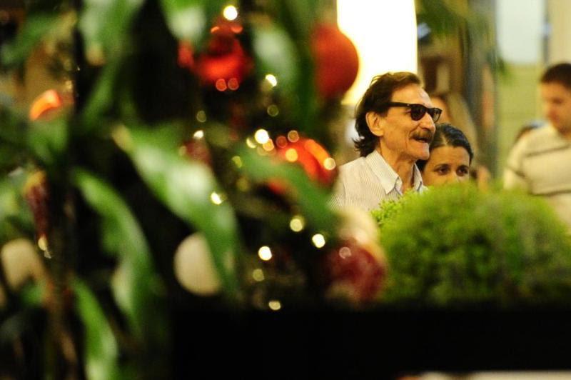 Belchior foi visto na cafeteria do Shopping Moinhos na noite de terça-feira:imagem 1
