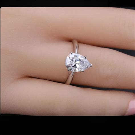 25  best ideas about 2 Carat Diamond Ring on Pinterest   2