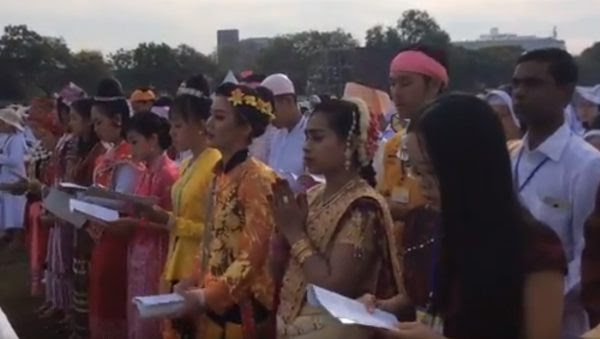 Voyage en Birmanie : le Pape invite les catholiques à soigner les blessures du pays