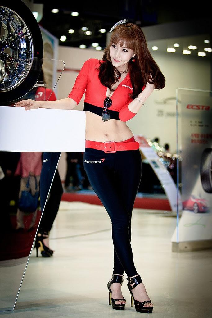 motor show model4 Hot Korean Models at Seoul Motor Show