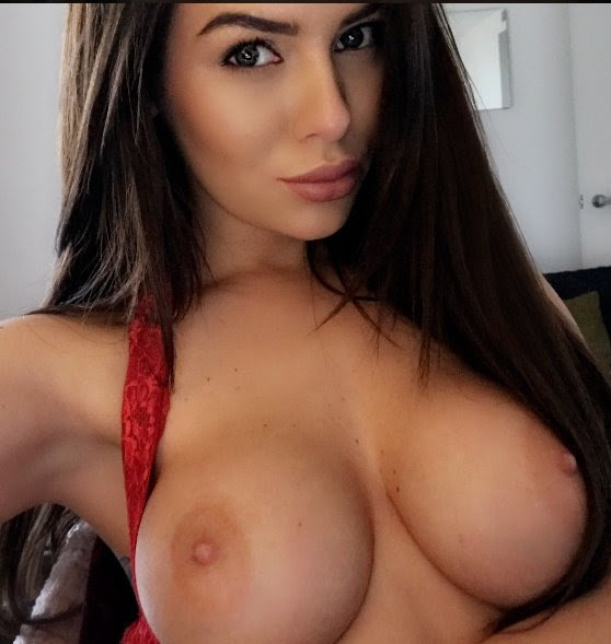 Emily Isabella North Nude