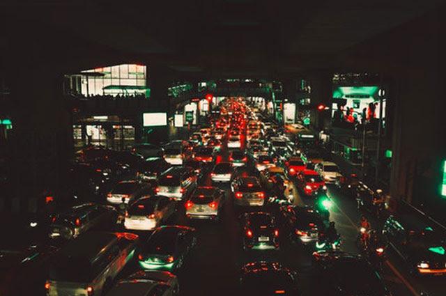 kota besar di Indonesia dikala ini sungguhlah keras Karena Kemacetan Harus Dihadapi Dengan Pintar dan Nyaman