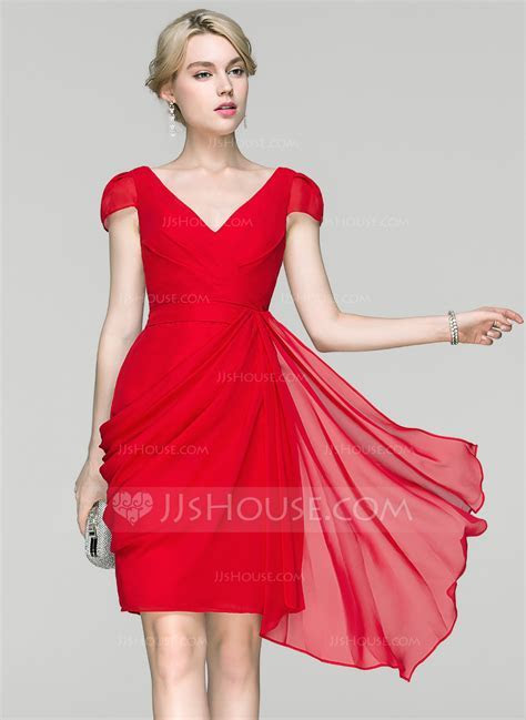 Sheath/Column V neck Knee Length Chiffon Cocktail Dress