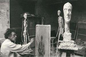 Giacometti-bei-Arbeit-in-Pariser-Atelier