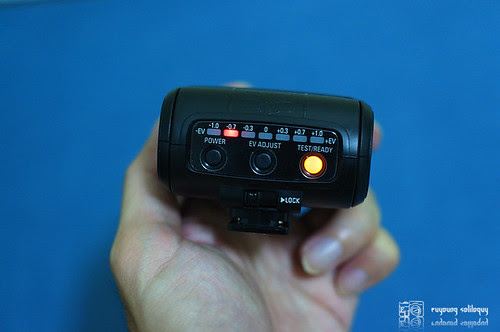 Samsung_NX10_flash_20