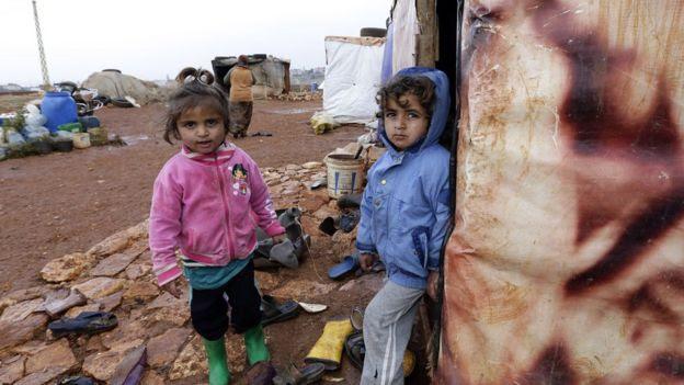 enfants syriens au camp de réfugiés au Liban.  décembre 2014