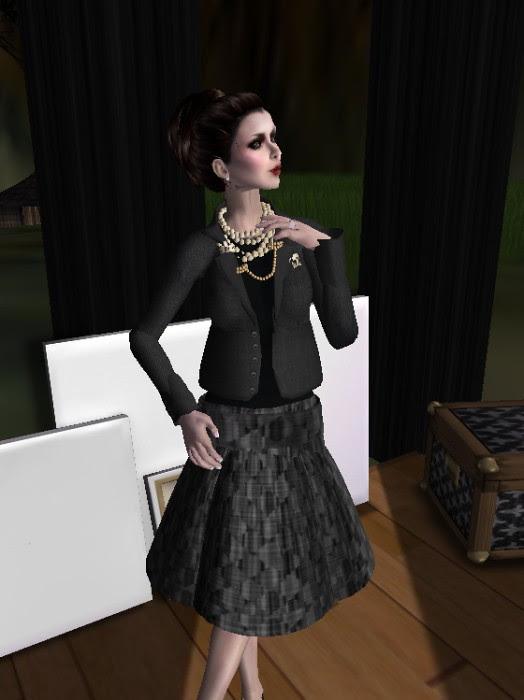 50 L Jacket & Free Skirt