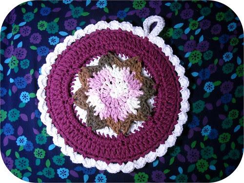 crochet potholder - side a