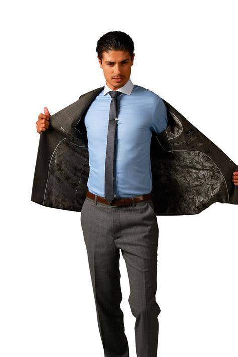 Business Suits for Men   Montagio