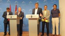 Campos y Berbal tras anunciar el cambio de gestión de la Televisión Autónomica