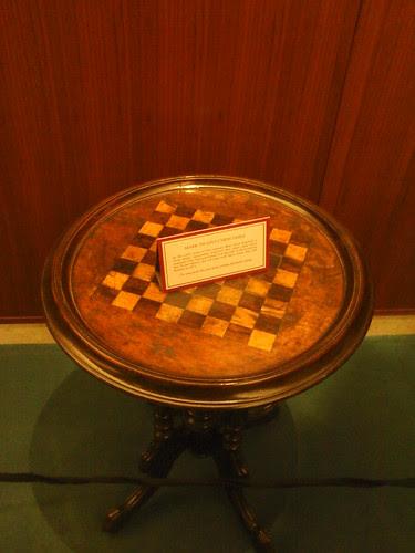 Mark Twain's chess table