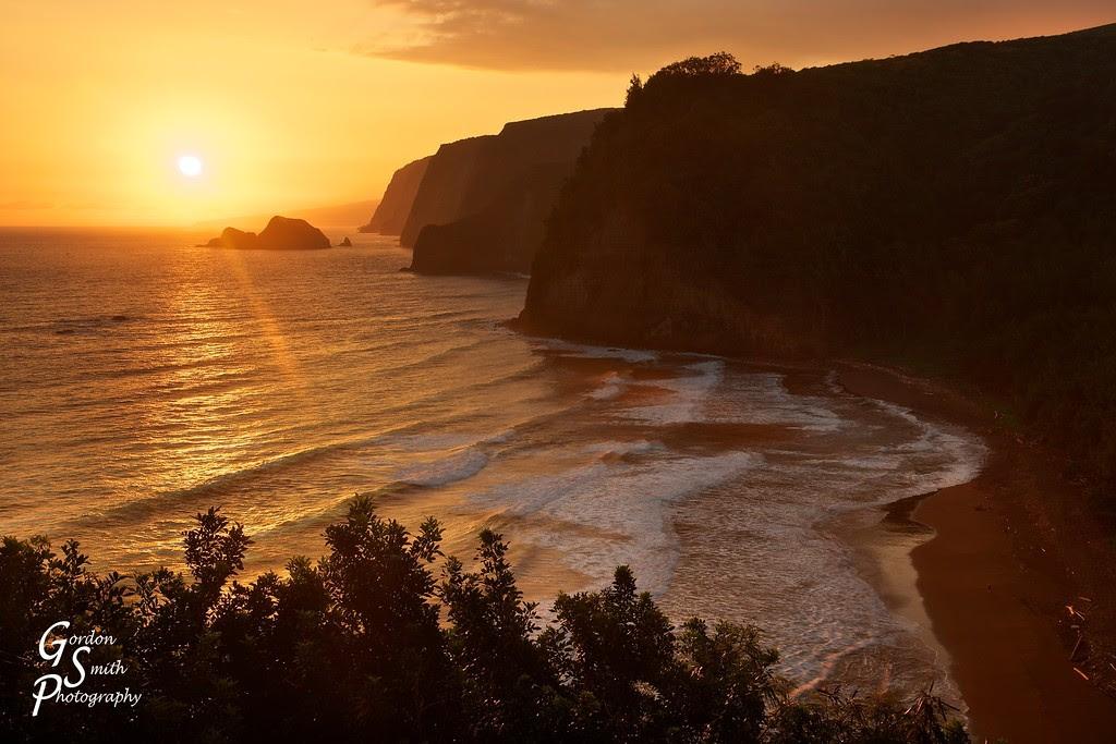 pololu valley sunrise big island hawaii