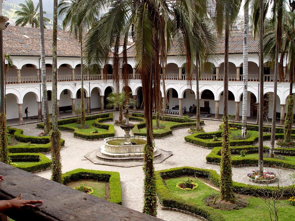 DSC00731 San Francisco cathedral courtyard Quito Ecuador