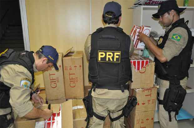 Material foi apreendido na BR-232. Foto: PRF/ Divulgação