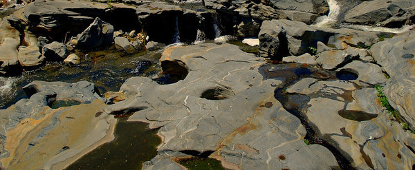 Glacial potholes at Salmon Falls