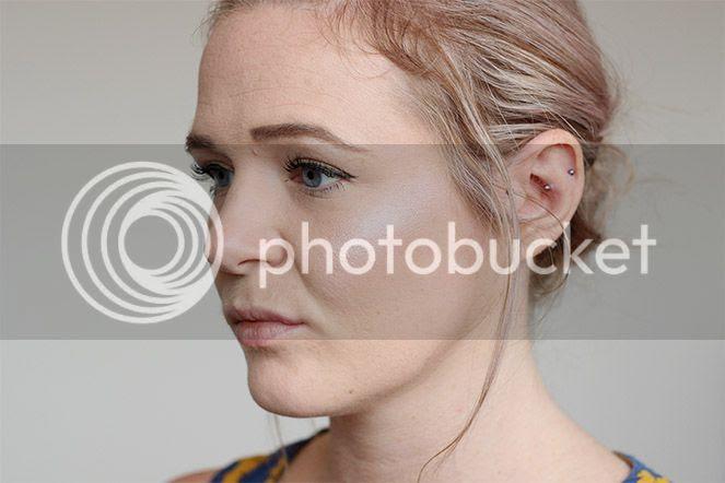 makeup revolution strobe on cheeks